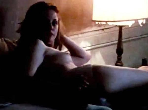 20121005 24589 ks2 e1349427500571 Kristen Stewart nuda nel suo nuovo film On The Road   VIDEO