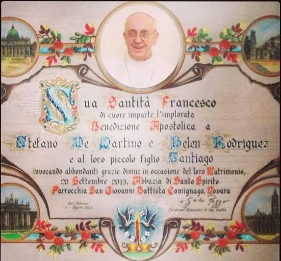Auguri Matrimonio Ai Genitori : Belen mostra orgogliosa la benedizione di papa francesco