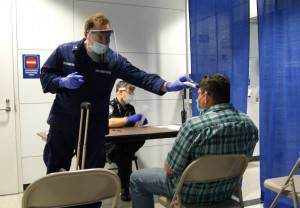 Ebola_screening_at_Chicago's_O'Hare_airport