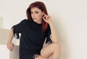 Annalisa-Scarrone-Sento-solo-il-presente