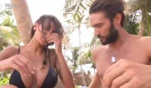 Cristina-Buccino-e-Alex-Belli-cinque-attualità