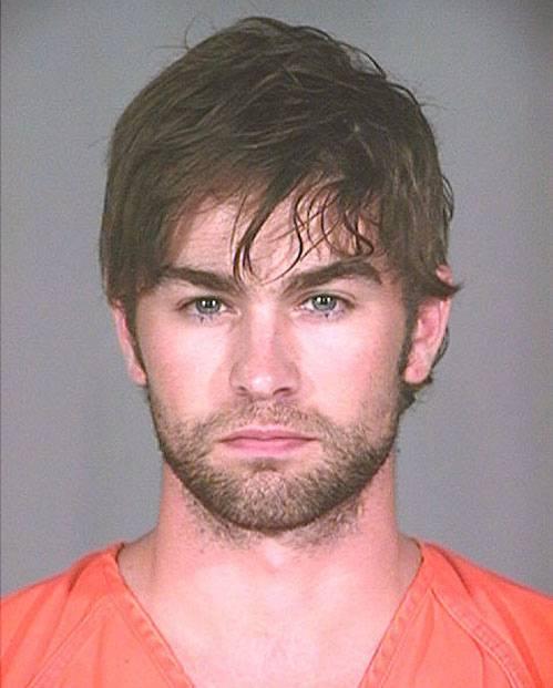 3. L'attore Chace Crawfor, divenuto noto per aver interpretato Nate nella famosissima serie tv Gossip Girl, è stato arrestato per possesso di sostanze stupefacenti nel 2010 a Plano, Texas.