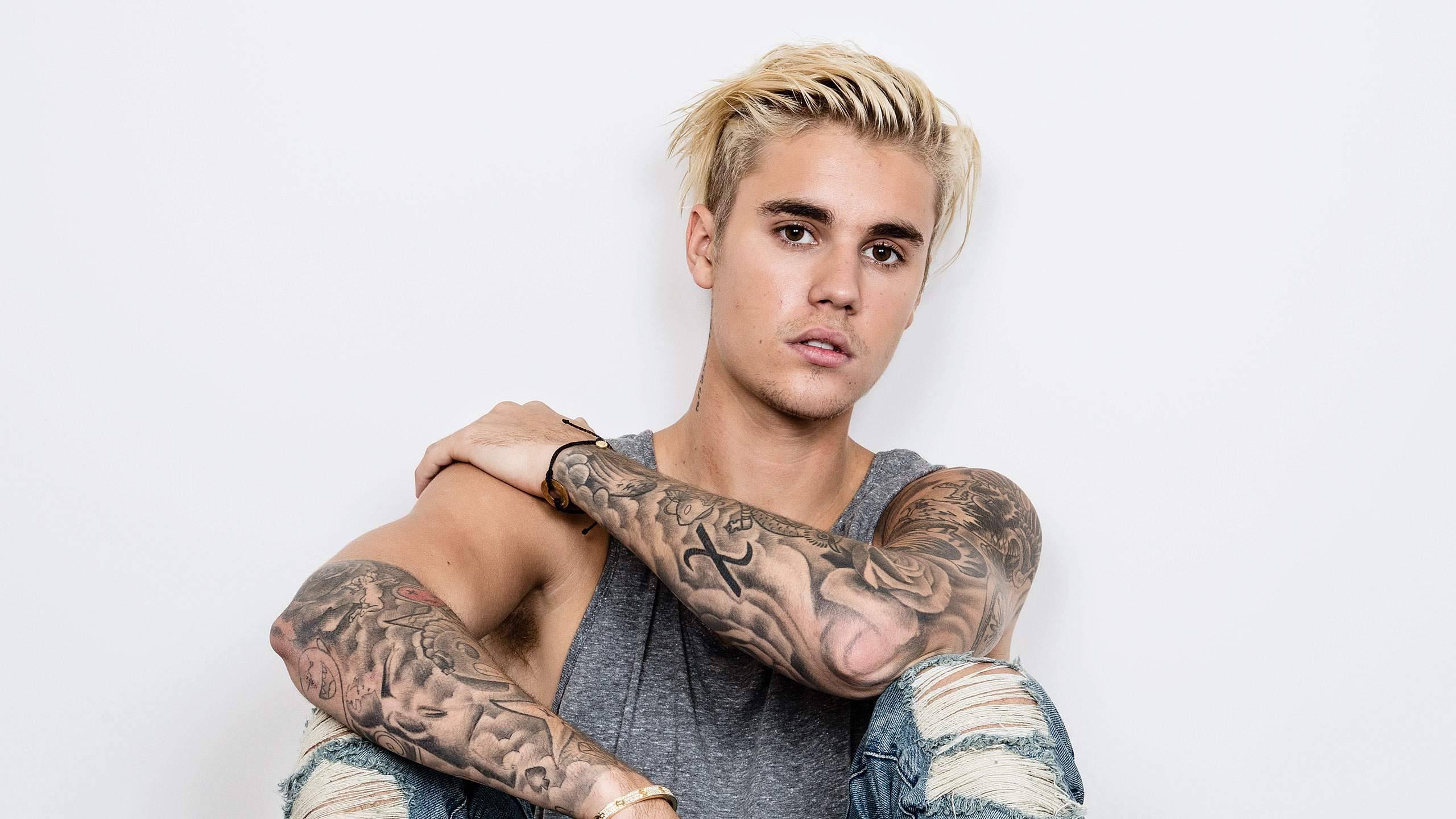Justin Bieber giornalista lo fa infuriare