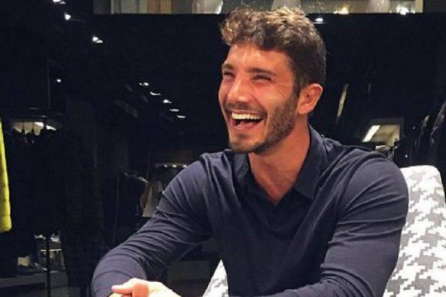 Selfie, Stefano De Martino parla del figlio e Belén si commuove