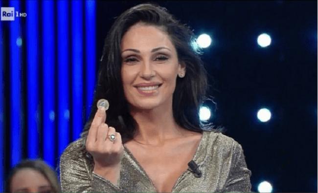 Anna Tatangelo risponde a chi insinua ritocchini al suo viso