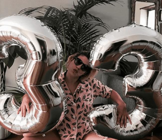 Tanti auguri Emma: la cantante spegne 33 candeline