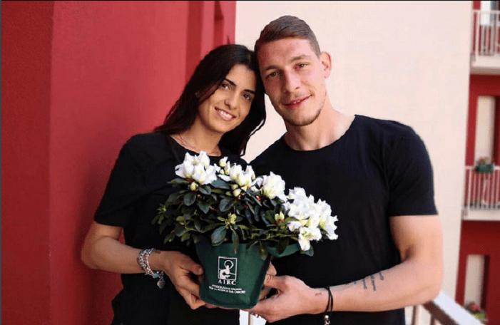 Andrea Belotti avec mignonne, femme Giorgia Duro