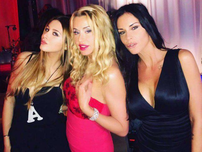 Valeria Marini flirt con l'ex marito di una amica: scandalo in tv
