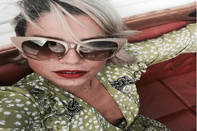 Emma, che trasparenze sexy sul red carpet di Venezia!