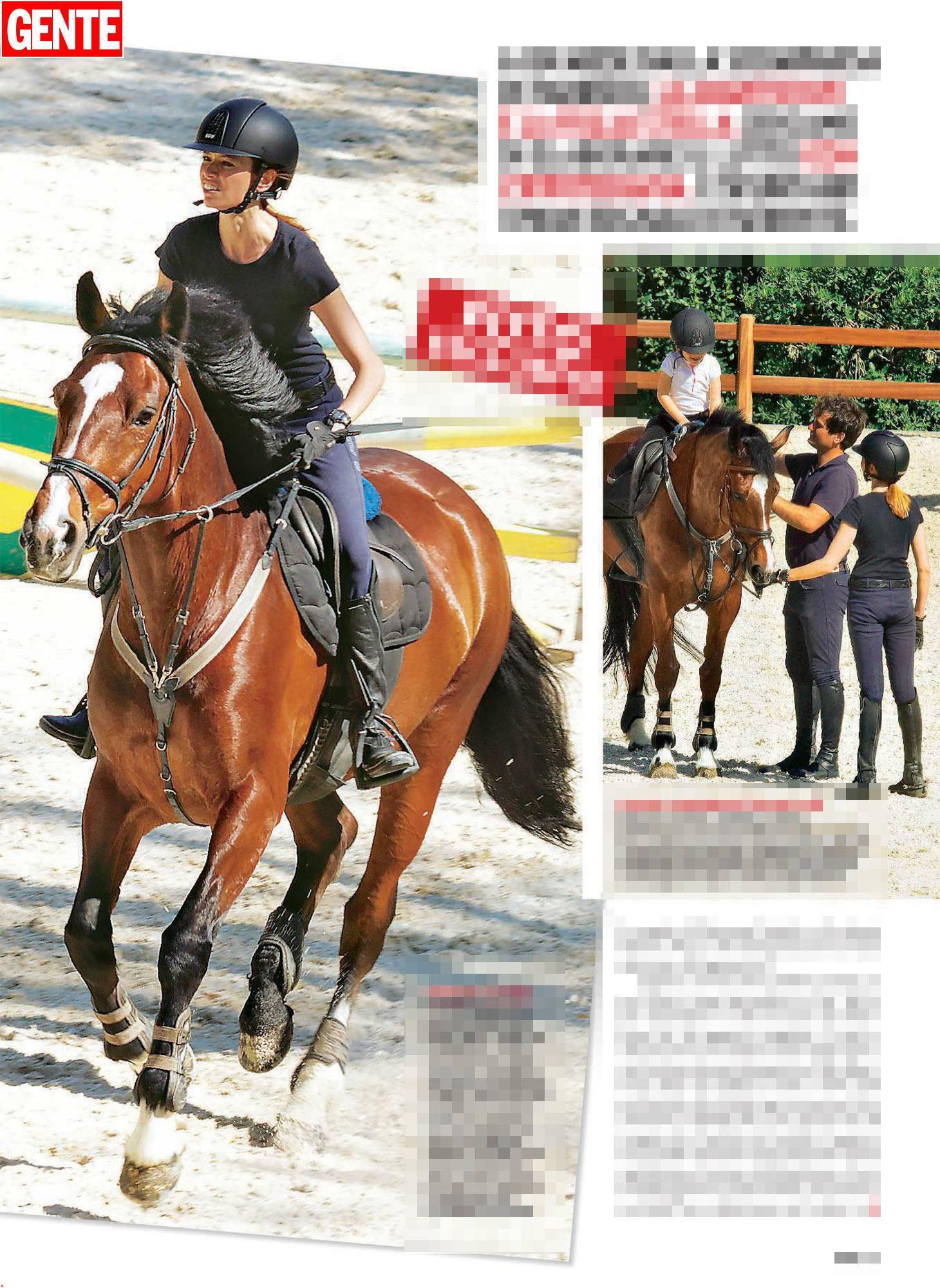 La moglie e la figlia di Fabrizio Frizzi a cavallo: