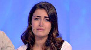 """Uomini e Donne, Nilufar si confessa: """"Ho fatto una stron*ata"""""""