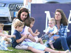 Fotogallery: Kate Middleton in campagna con i figli Charlotte e George