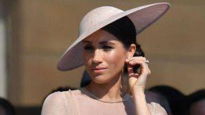 Meghan Markle: la moglie di Harry deve essere educata al bon ton