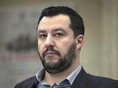 """Matteo Salvini: """"O si cambiano le regole o diciamo no ai migranti"""""""