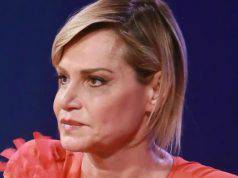 """Simona Ventura: """"Ho detto basta con i ritocchini dopo che ho pianto"""""""