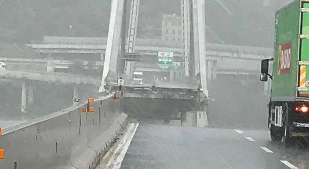 Crollo Ponte Morandi Genova - VIDEO