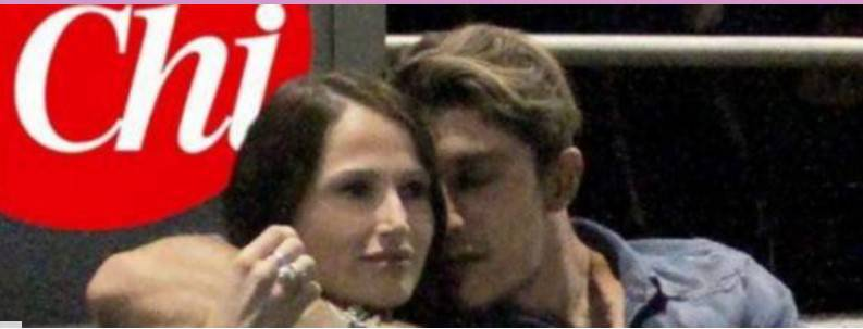 Andrea Iannone beccato con una ragazza