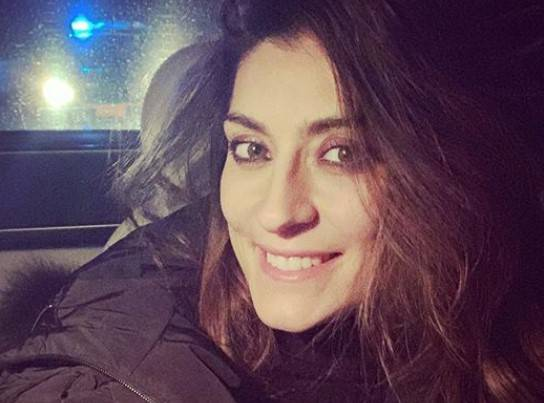 Elisa Isoardi in auto