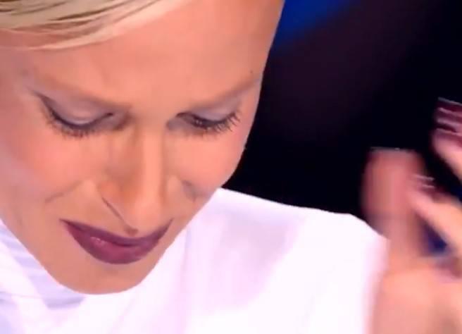 Federica Pellegrini piange