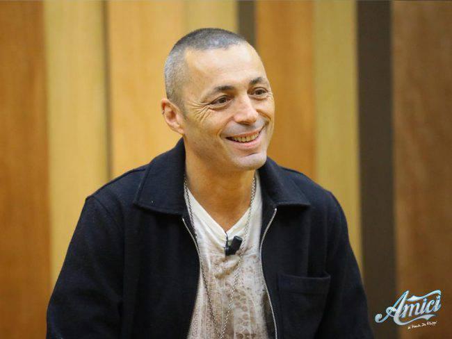 Amici, Marco Alimenti è stato eliminato: gli allievi occupano la scuola