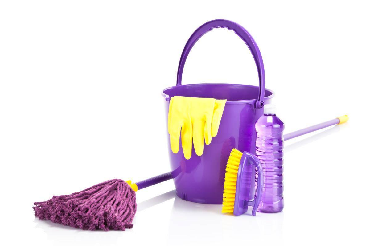 pulire scopa mocio