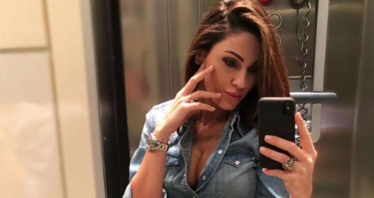 Anna Tatangelo, dedica d'amore a Gigi D'Alessio:
