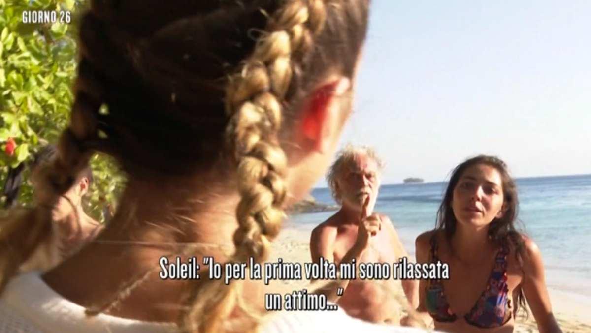 Tutti contro le sorelle Mihajlovic. Volano gli stracci con Soleil