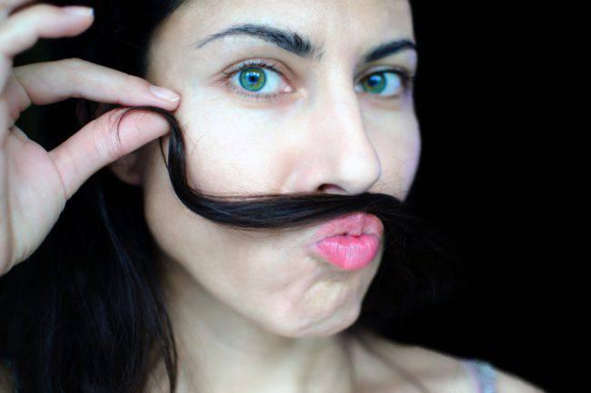 Peli nel naso e nelle orecchie: ecco come rimuoverli