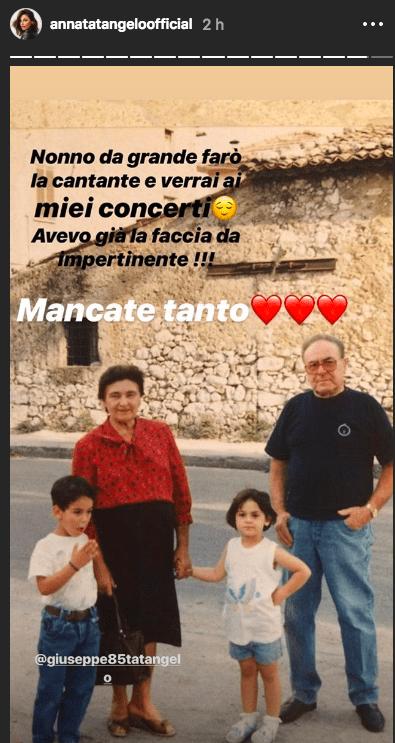 Storia Instagram di Anna Tatangelo da bambina insieme ai nonni