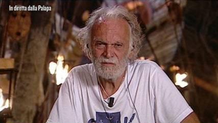 Isola dei Famosi, Riccardo Fogli non si trattiene e scoppia in lacrime: cos'è successo