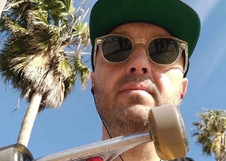 Joe Bastianch pubblica la foto del piccione alla brace: bufera su Instagram