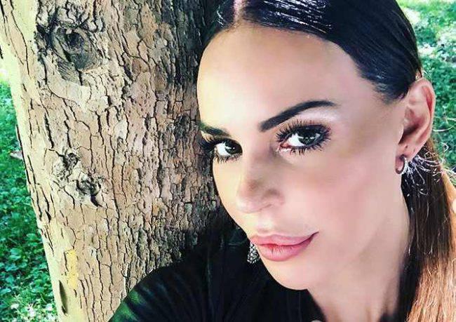 Nina Moric rifatta? La showgirl contro Striscia la Notizia