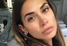 Melissa Satta in una posa da capogiro instagram