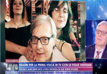 """Live - Non è la D'Urso, Vittorio Sgarbi parla delle sue figlie, Barbara ferma tutto: """"Non è bello quello che hai detto"""""""