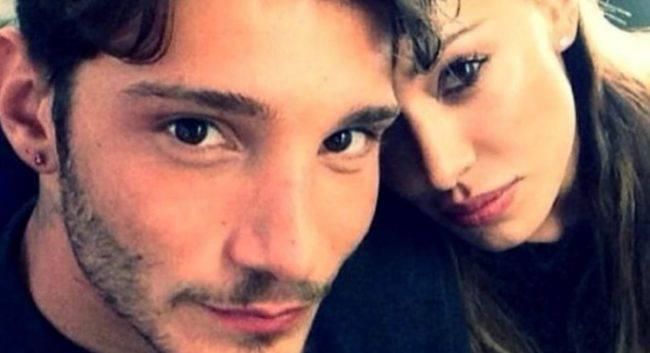 Belen e Stefano insieme: spunta la foto al compleanno di Santiago