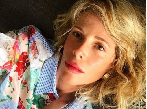 Alessia Marcuzzi in vacanza con la figlia Mia, furia web: