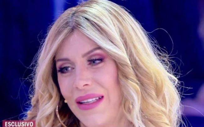 Paola Caruso, da Barbara d'Urso ha ritrovato la sua vera madre