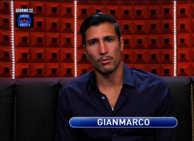 Gianmarco Onestini in doccia
