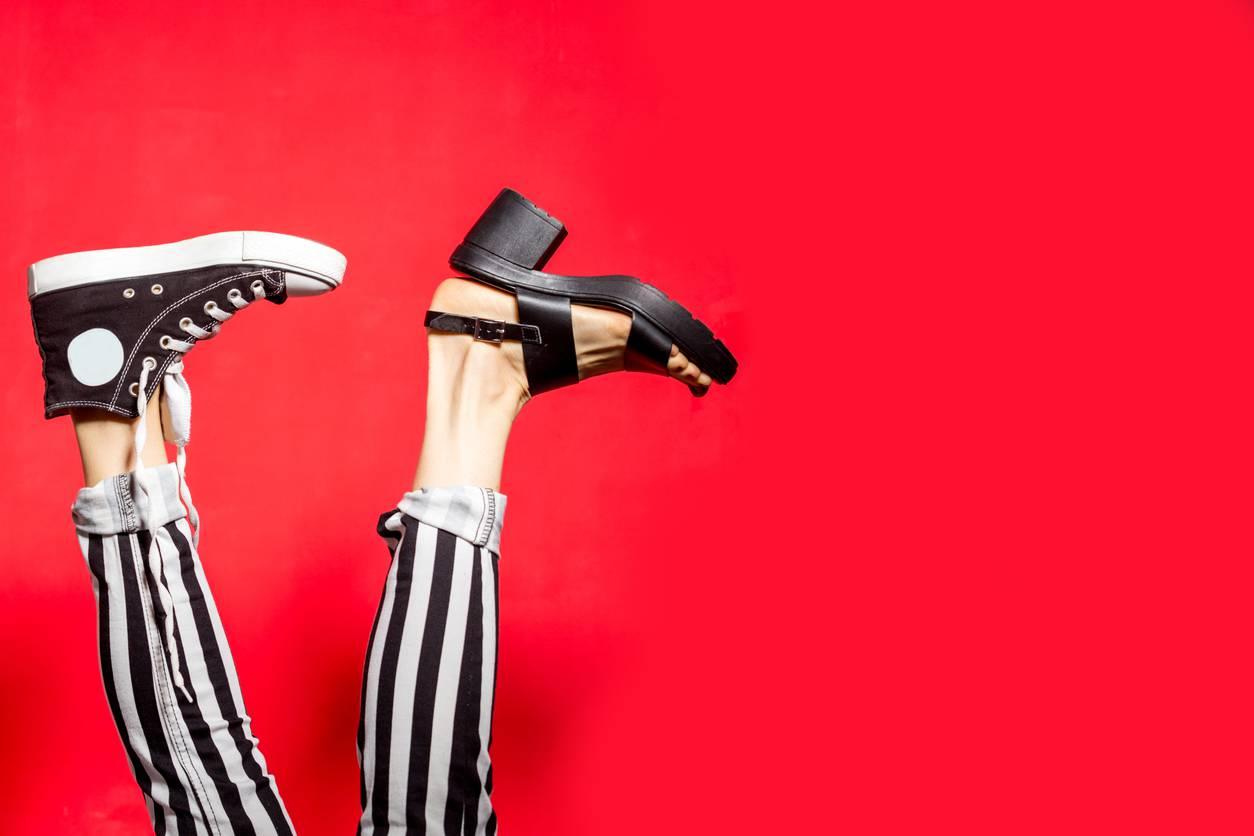 eliminare cattivo odore scarpe