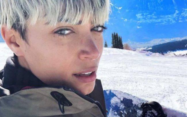 Elodie Patrizi ad Ibiza: la scollatura è super hot