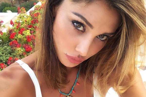 Belen Rodriguez balcone