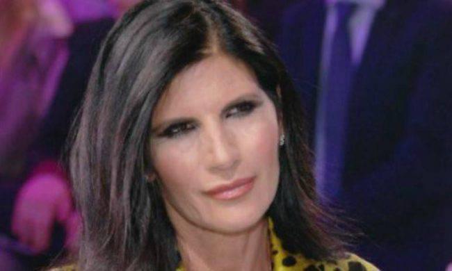 Matrimonio Pamela Prati, il caso arriva in Parlamento: il suo compenso diventa un giallo