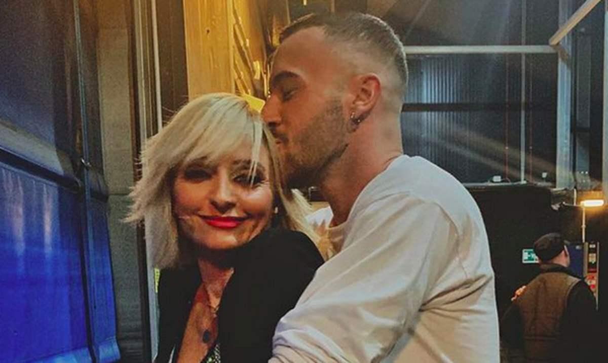 Veronica Peparini e Andreas Muller bacio pubblico