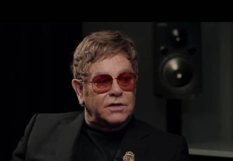 Elton John Rocketman: la vita tra alcool e droghe