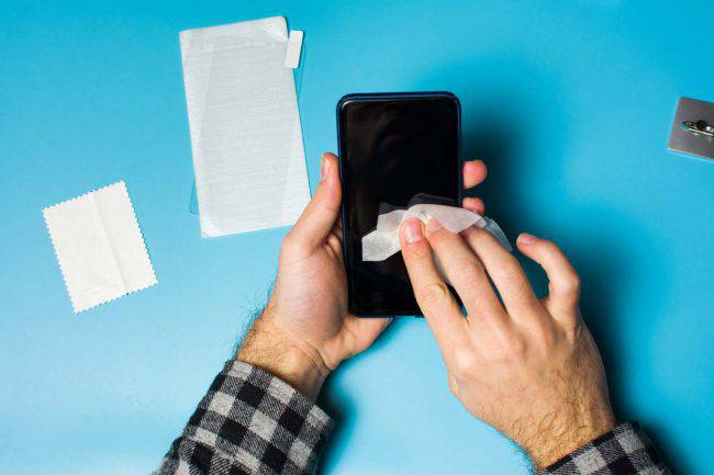 Pulire schermo smartphone