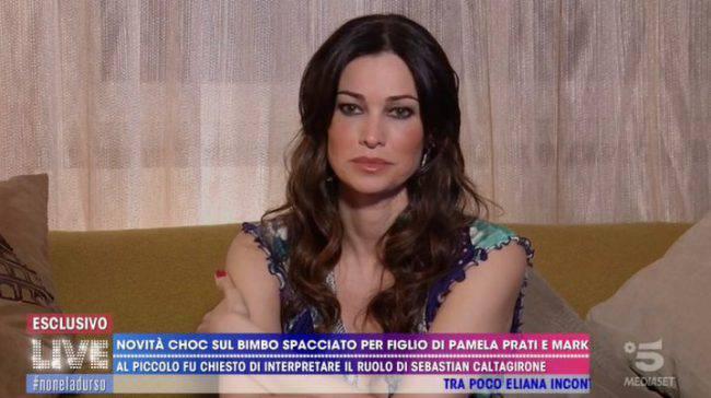 Live - Non è la D'Urso Manuela Arcuri