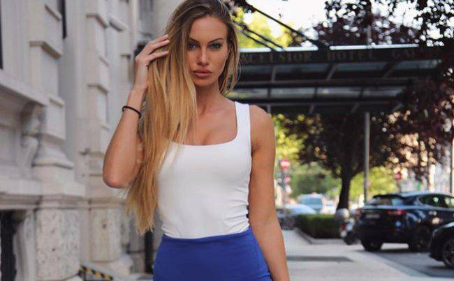 Taylor Mega Francesca De Andrè