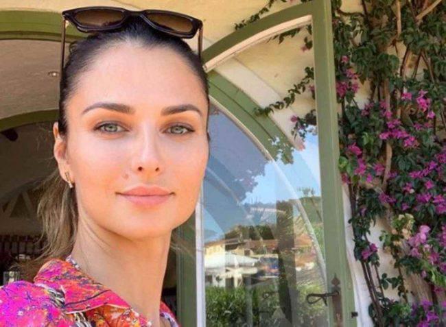 Diletta Leotta bacia Daniele Scardina a Ibiza