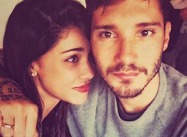 belen stefano si baciano instagram