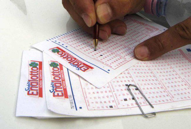 estrazioni superenalotto lotto in diretta